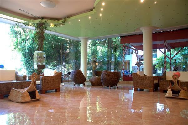 13 hotel