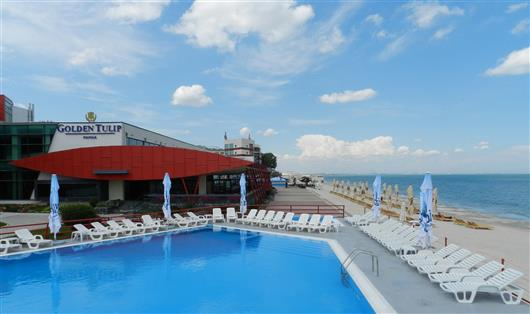 Hotelul Golden Tulip Mamaia este un loc ideal atat pentru cupluri cat si pentru familii.