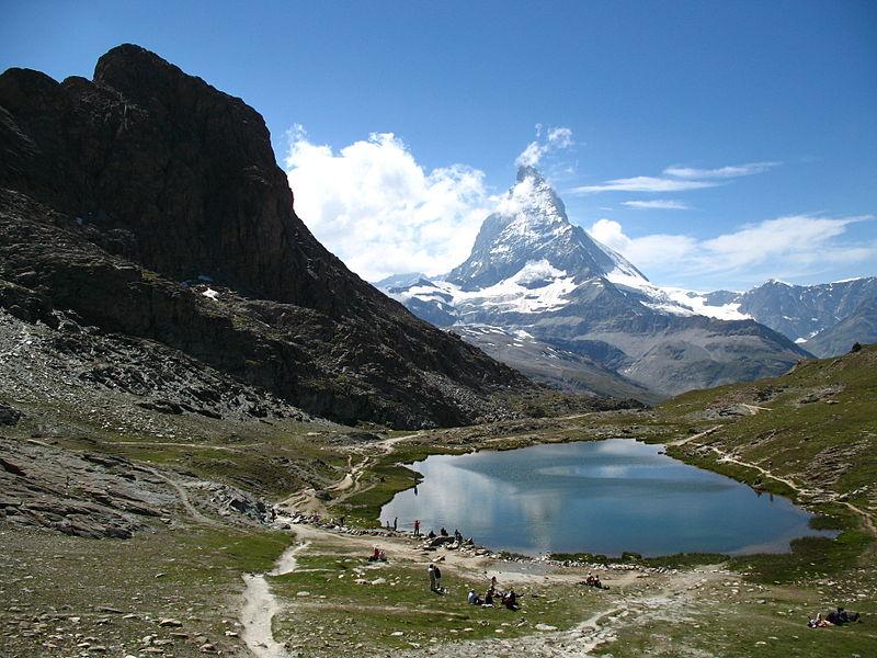 Varful Matterhorn din Elvetia este considerat de multi ca fiind locul de unde a pornit alpinismul modern