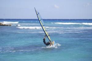 In insulele Capul Verde se pot face o multime de activitati, printre care si windsurfing sau scuba diving