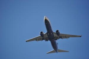 o calatorie cu avionul este cea mai practica alegere atunci cand vrei sa ajungi repede la destinatie