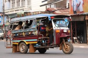 Evita sa fii pacalit de conducatorii de tuk-tuk in Thailanda