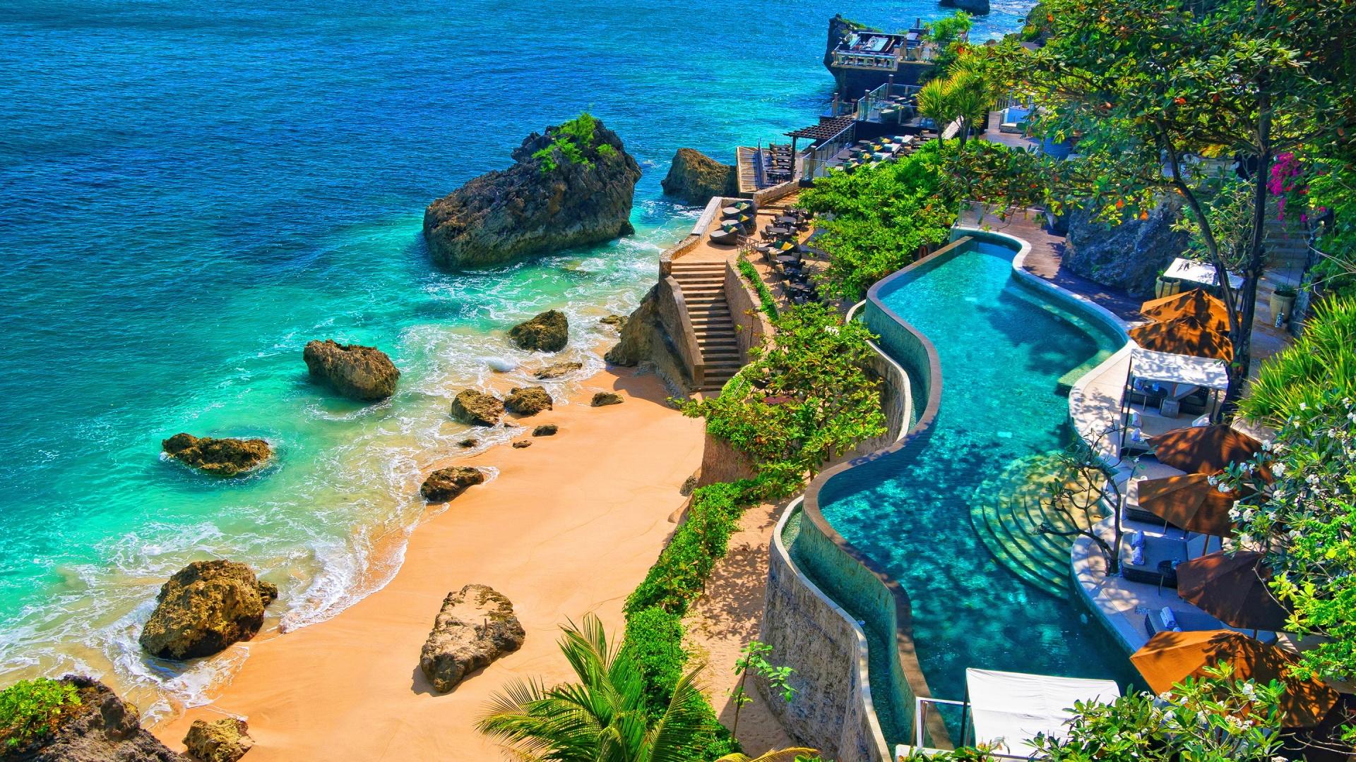 Probabil una dintre cele mai populare si cunoscute destinatii exotice, insula Bali este o adevarata bijuterie a continentului asiatic.
