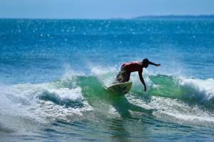 Daca va doriti o vacanta activa, atunci ar trebui sa stiti ca surfingul este la mare cautare in Bali.