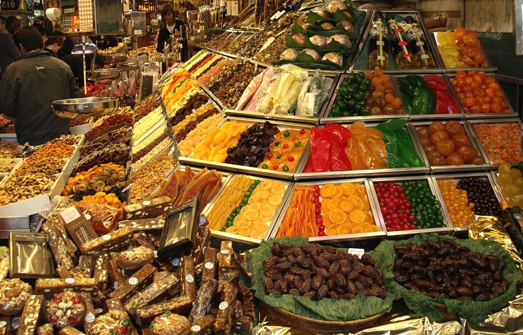 Situata in zona celui mai important bulevard al orasului, Las Ramblas, La Boqueria este cea mai veche si cea mai mare piata a orasului.
