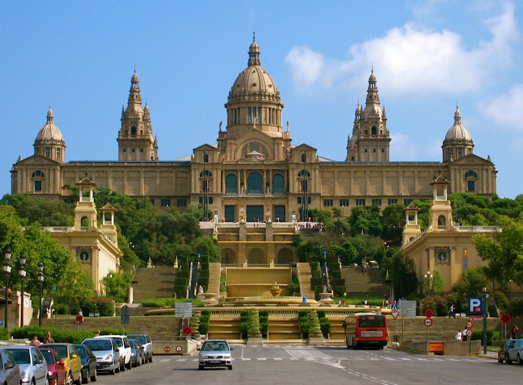 """Daca te numeri printre pasionatii de arta, Muzeul National de Arta al Catalaniei (MNAC) este locul perfect pentru a """"pierde"""" cateva ore."""