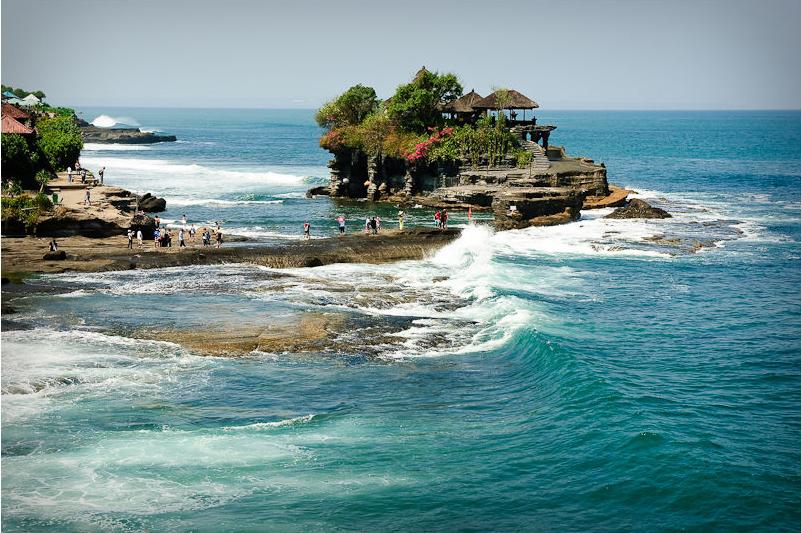 Daca iti doresti o vacanta petrecuta pe Insula Zeilor, un alt nume primit de catre Bali, atunci ar trebui sa stii ca perioada cea mai potrivita din punct de vedere al climei este intre lunile Aprilie si Septembrie.