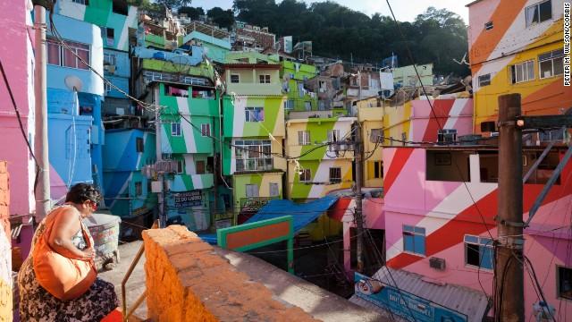 O atractie noua a acestui oras este cartierul Santa Maria, sau Favela Santa Maria, casele caruia au fost zugravite in culori inedite de catre designerii olandezi Haas& Hahn, in cadrul unui proiect cu tenta sociala, oferind un aspect plin de viata acestei regiuni a orasului.