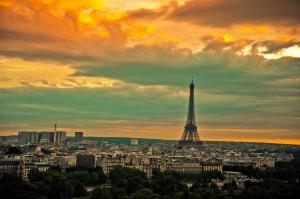 Cateva dintre orasele din Europa care percep aceasta taxa sunt Parisul, Barcelona, Amsterdamul, si majoritatea statiunilor din Italia.