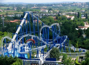 Nu poti trece prin Italia fara sa iti petreci o zi in Gardaland, echivalentul Disneyland-ului in Italia.