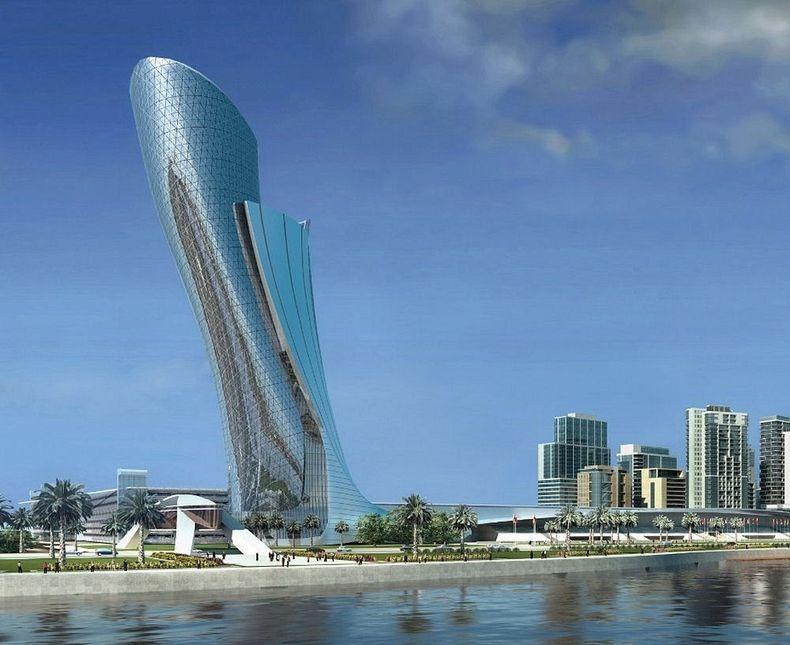Capital Gate este una dintre cele mai inalte cladiri din Abu Dhabi, cu o inaltime de 135 m inaltime si 35 de etaje.