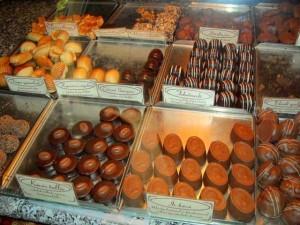 Cofetaria de 100 de ani a fost deschisa in 1840 si inca etaleaza si ofera cumparatorilor o mare varietate de prajituri si bomboane, care mai de care mai gustoase.
