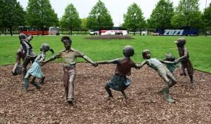 Statuia da un sentiment de eternitate acestui parc din SUA, amintind de toti copiii care s-au jucat vreodata in parcuri.