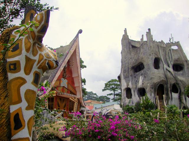 Crazy House, in traducere Casa nebuna, este un hotel din orasul vietnamez, Dalat.