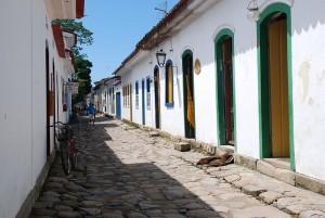 Daca iti doresti sa vezi urme ale perioadei de colonizare prin care a trecut Brazilia, atunci Paraty este locul ideal, orasul inca pastrandu-si casele in stil colonial.