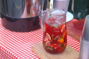 Sangria este bautura care se potriveste perfect atmosferei existente in Spania.