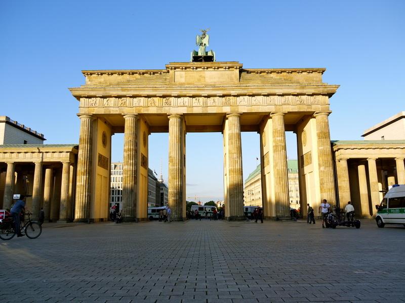 La  mai bine de douazeci de ani dupa caderea Zidului Berlinului, capitala Germaniei a reusit sa se transforme intr-un oras care trebuie neaparat vizitat.