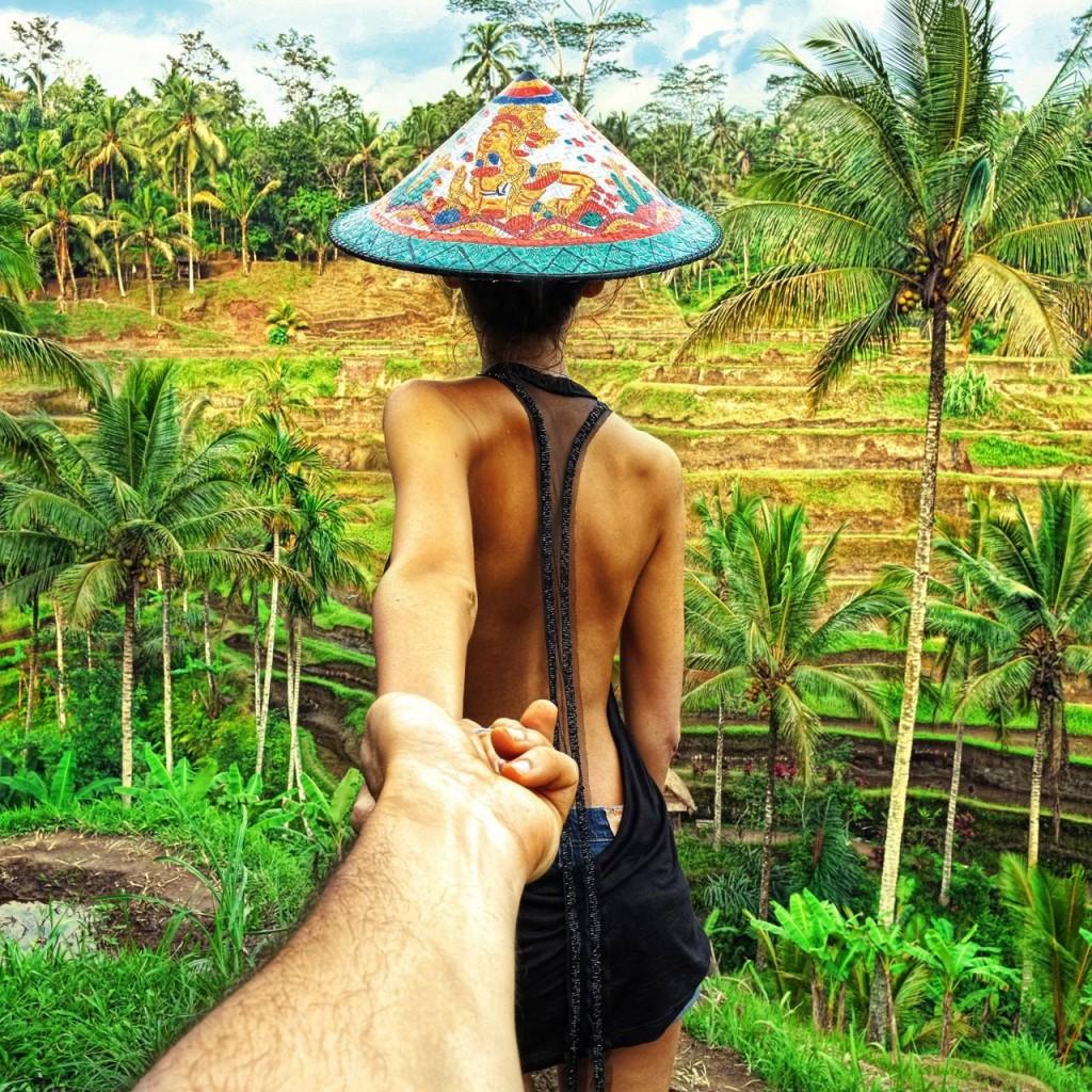 Bali este destinatia ideala atat pentru cuplurile care isi doresc sa se rasfete in resort-uri de lux, cta si pentru indragostitii care isi doresc sa descopere multitudinea de temple ale insulei, cat si zona superba a vulcanului activ Kintamani.