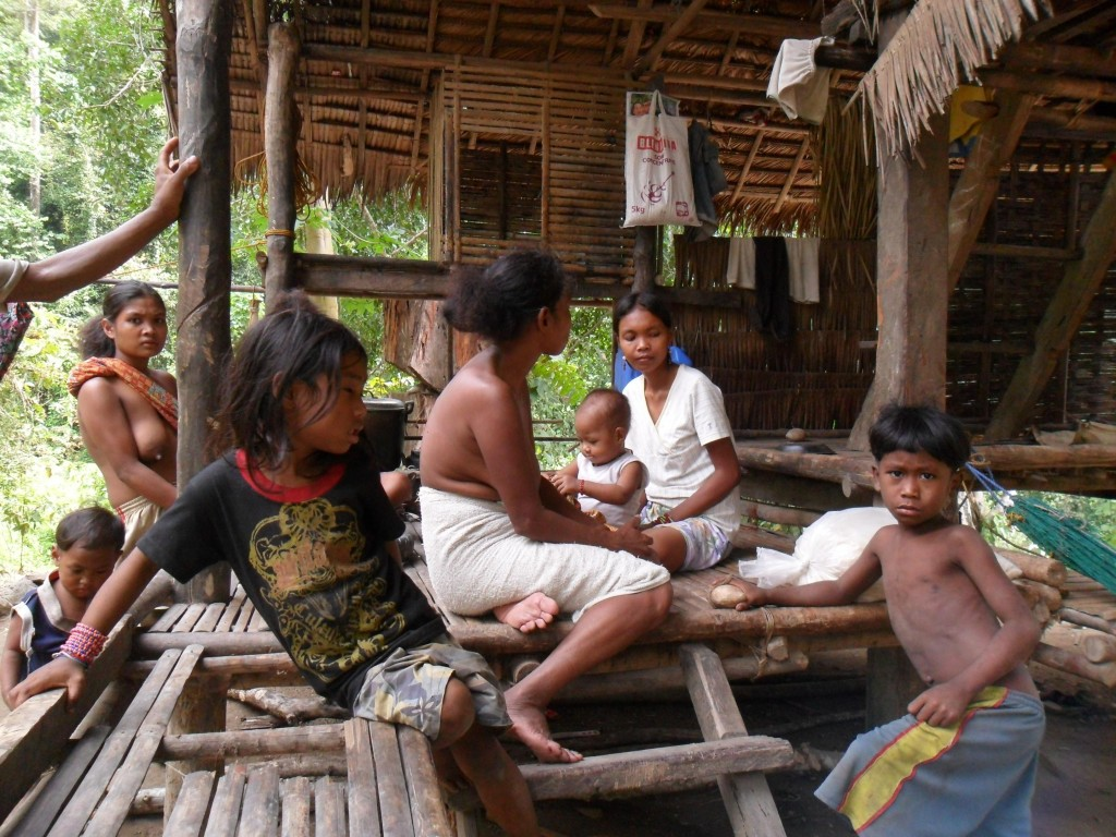 Filipine este o destinatie turistica internationala la mare cautare, dar pe insula Palawan se mai gaseste inca un mic trib de aproximativ 100 de persoane, numit Batak.