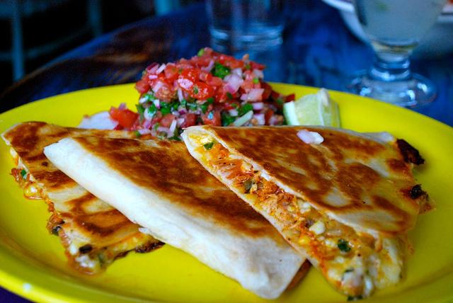 Te va incanta guacamole, gorditas, quiesadilla, preparatele cu cactus, mole....vestitul mole poblano, tacos de carnitas, de canasta si cate si mai cate.
