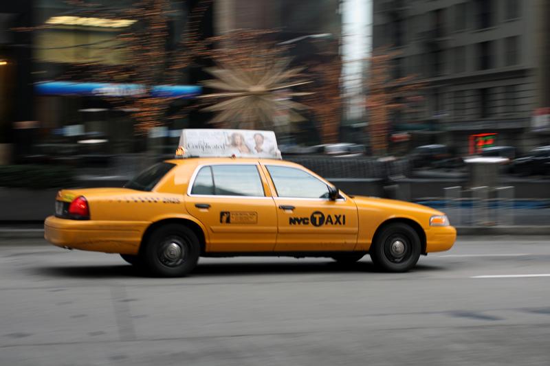 Unele site-uri oficiale locale sau guvernamentale prezinta turistilor adevarate liste cu lucruri pe care nu trebuie sa nu le faca, incepand cu urcatul intr-un taxi nesemnalizat oficial.