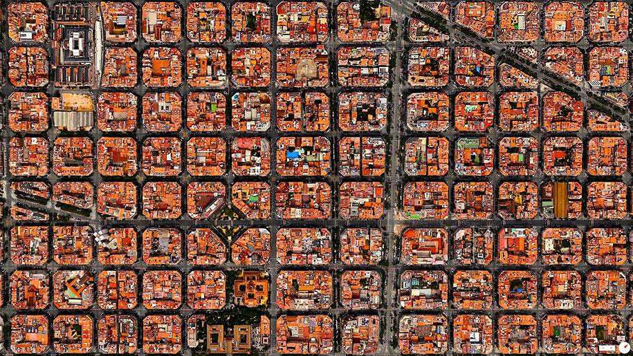 Barcelona vazuta din satelit