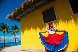 Femeie in costum traditional pe Insula Catalina, Republica Dominicana