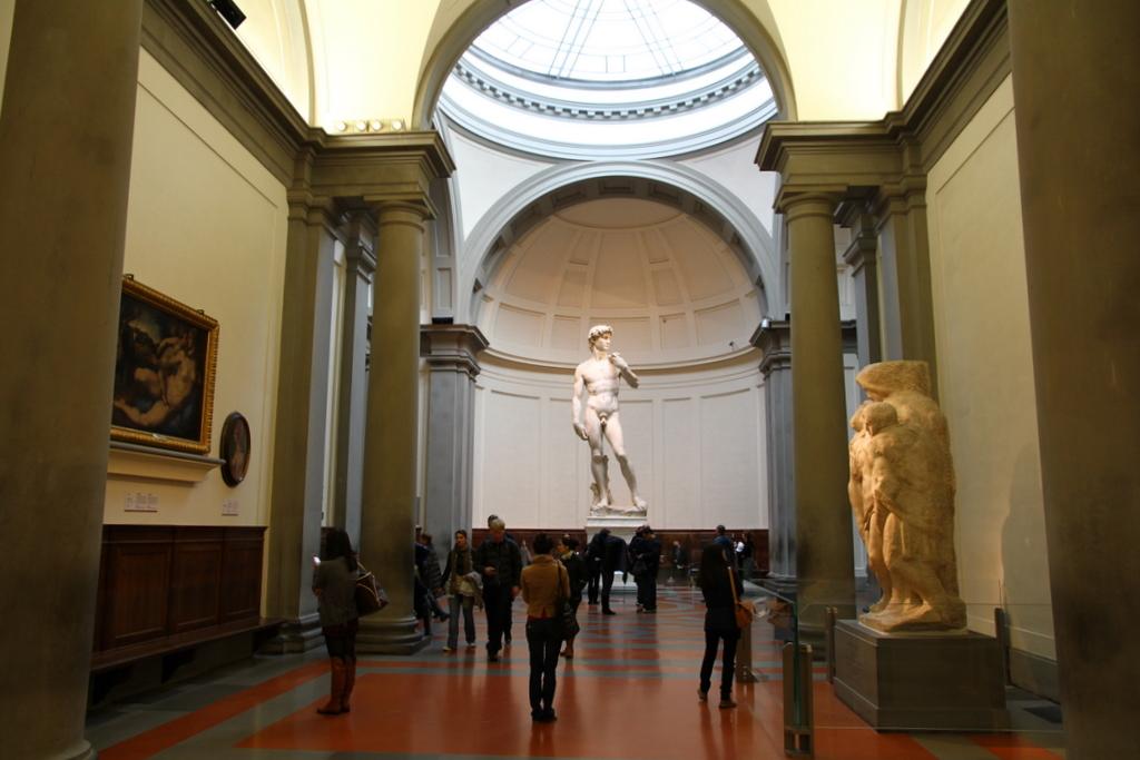 David al lui Michelangelo la Galleria dell Accademia, Florenta,Italia