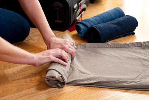 Rularea hainelor in bagaje
