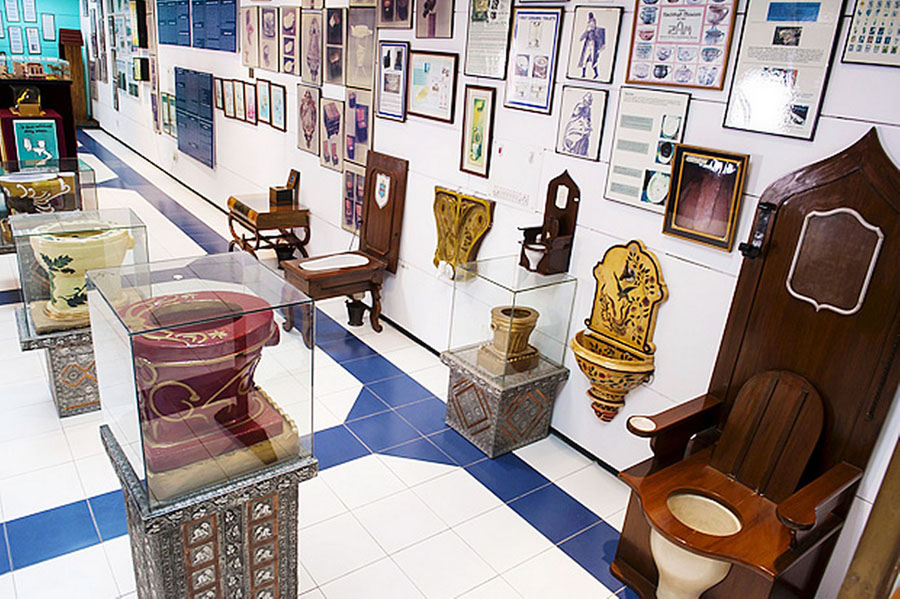 Sulabh International Museum of Toilets din New Delhi, India
