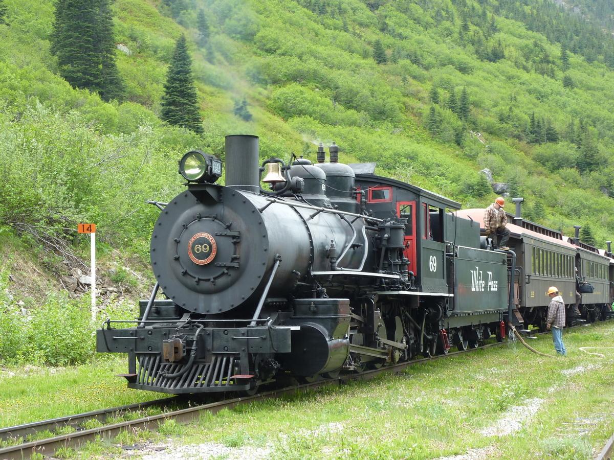 Tren cu abur