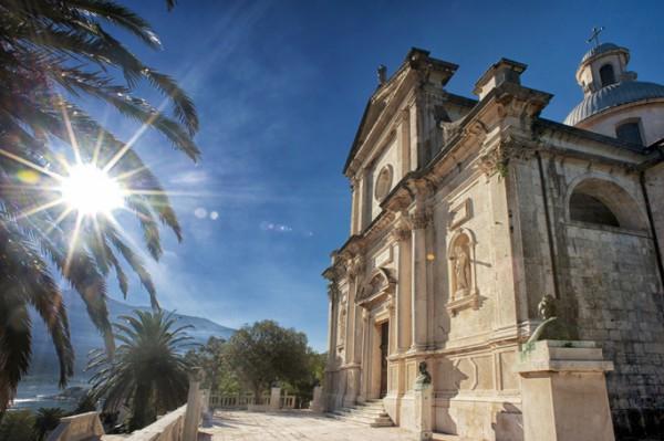 Biserica Nasterii Maicii Domnului din Prčanj- Muntenegru