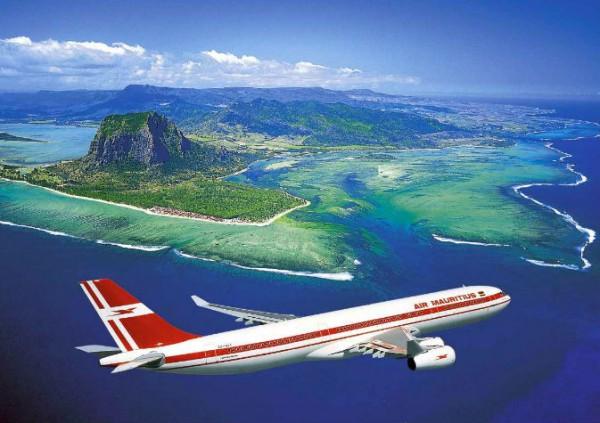 Zbor deasupra insulelor Mauritius; sursa foto: skampy.ch