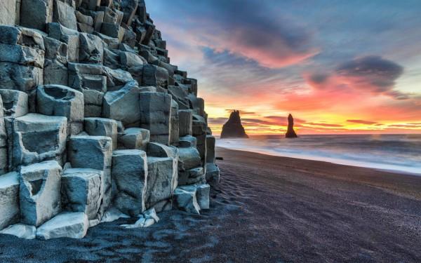 reynisfjara-beach-iceland