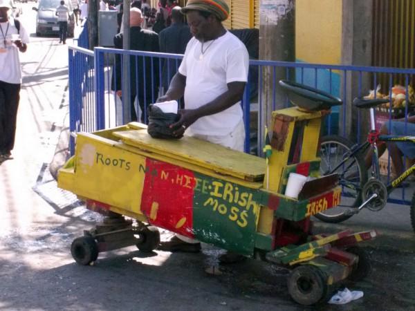 vanzator ambulant din Montego Bay, Jamaica